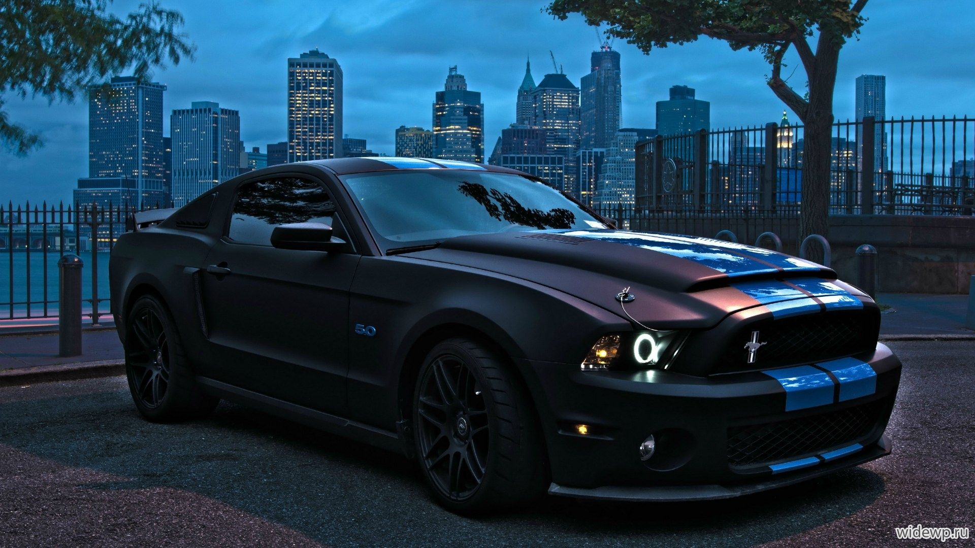 Автомобили Ford Mustang GT 5.0